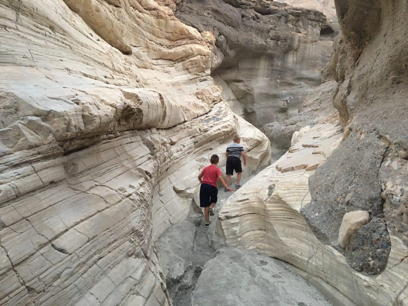 mosaic canyon slots