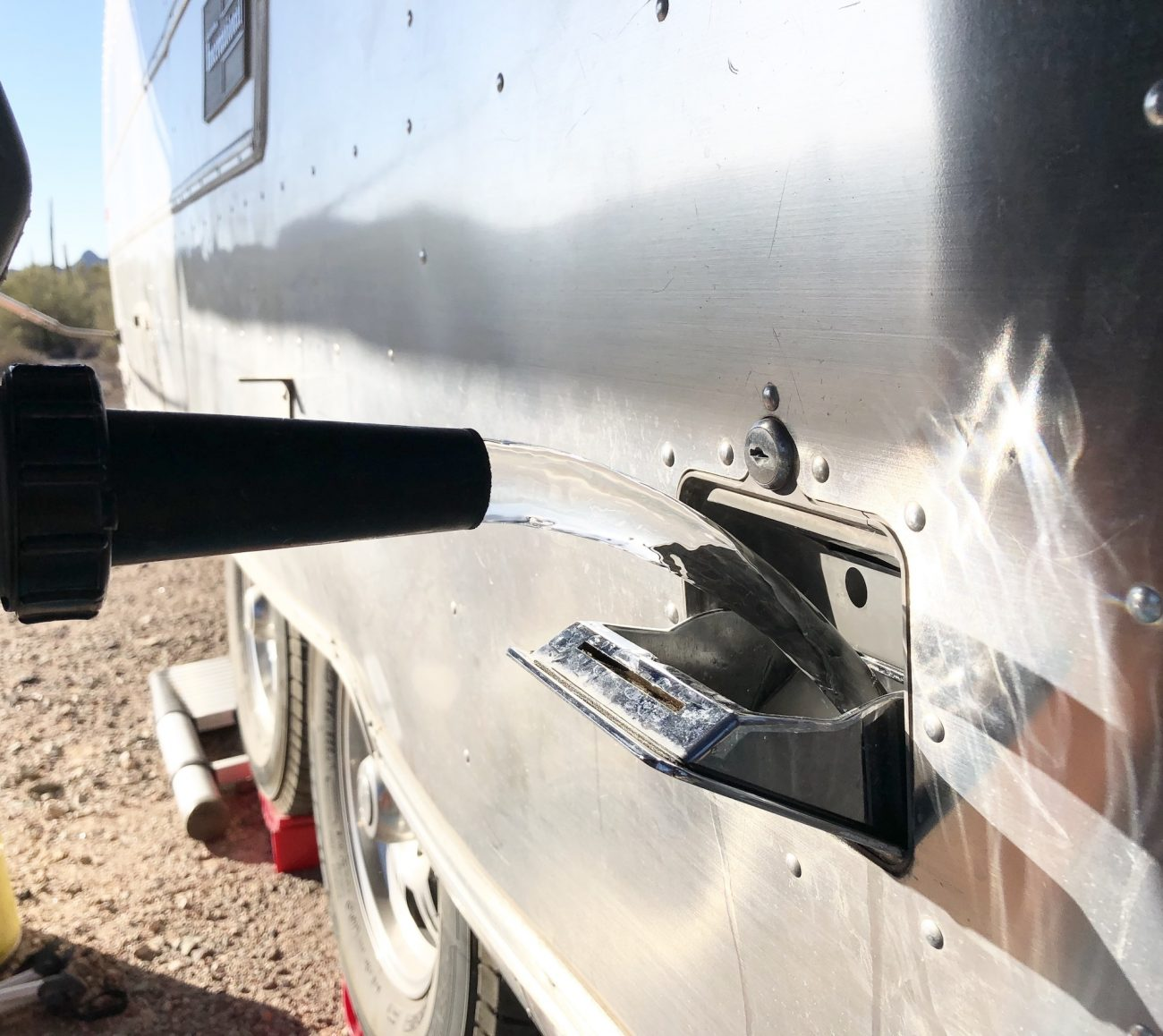 pouring water into airstream