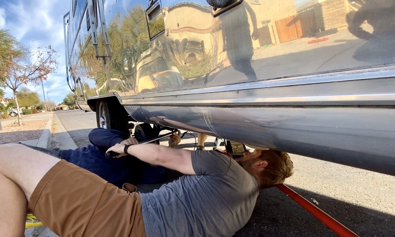 Replacing Axles on 1972 Airstream