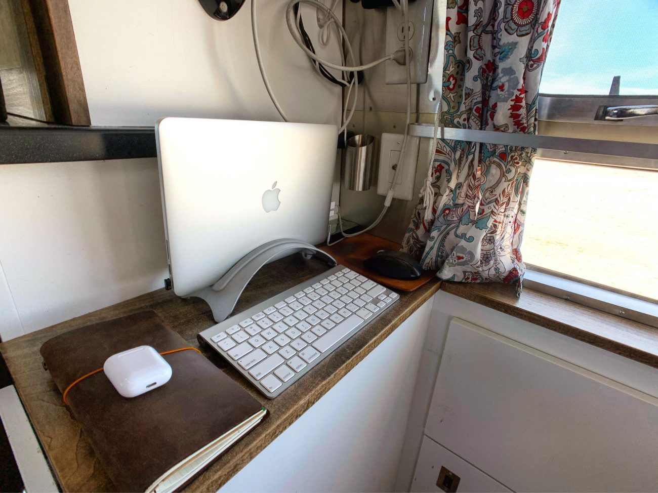 Shelf Desk Angle