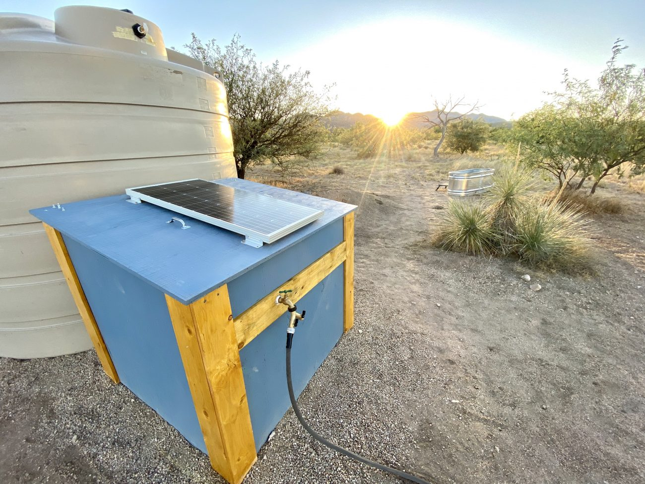 Solar Powered Pressurized Water Off-Grid