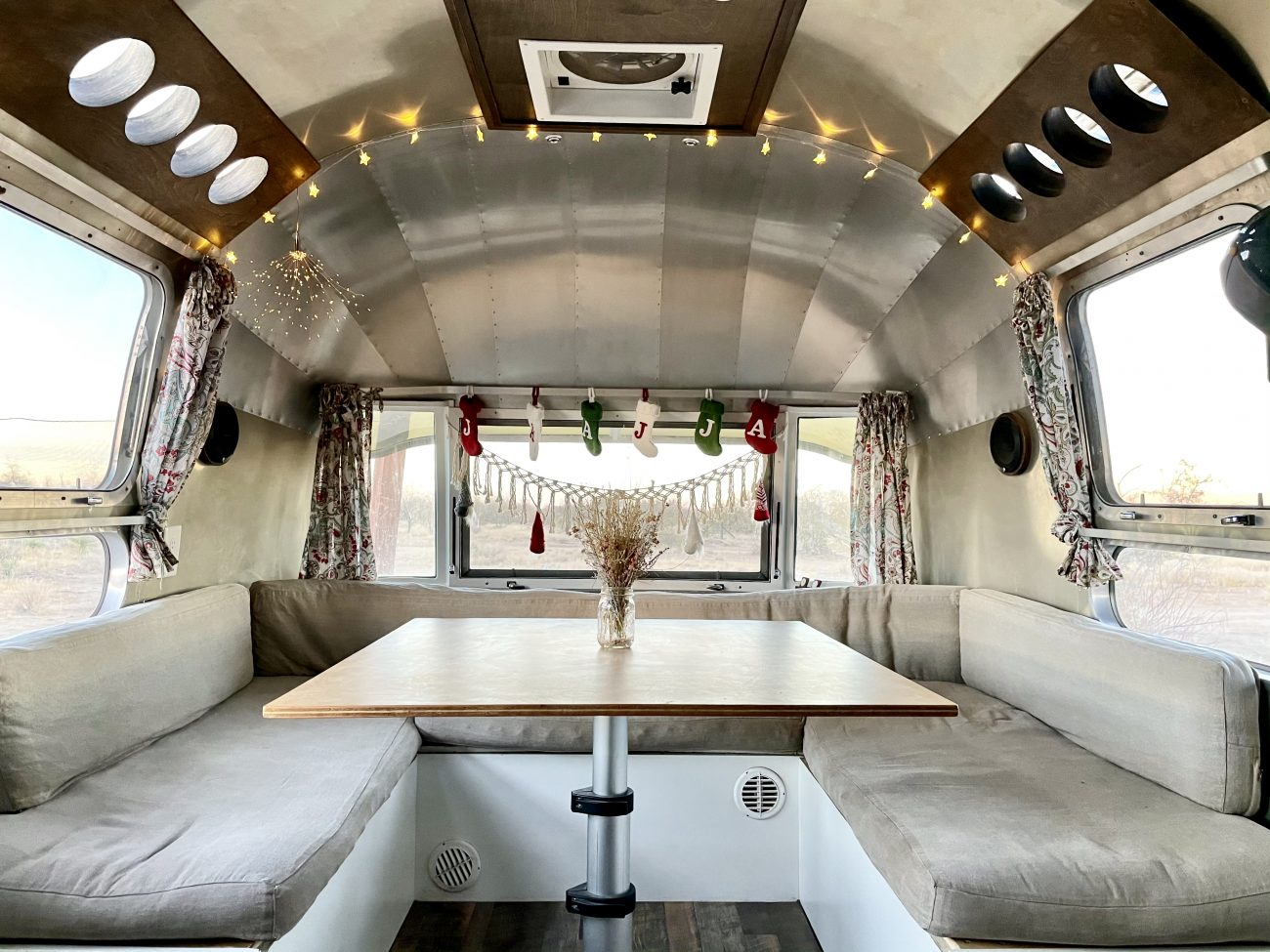 Airstream Interior Christmas Decorations